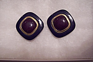 Vintage Plastic & Gold Metal Clip-On Earrings (Image1)