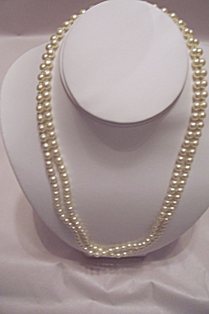 Vintage Small Faux Pearl Necklace (Image1)