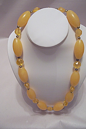 Vintage Amber Colored Bead Necklace (Image1)