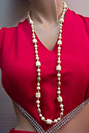 Antique White And Gold Bead Necklace (Image1)