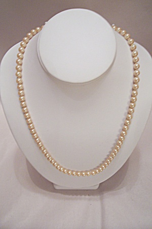 Pearl Necklace (Image1)