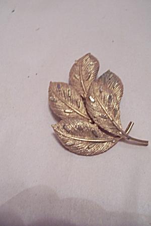 Vintage Coro Goldtone Leaf Motif Brooch (Image1)