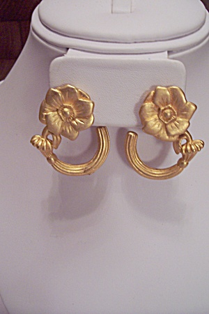 Gold Tone Floral Design Clip-on Earrings