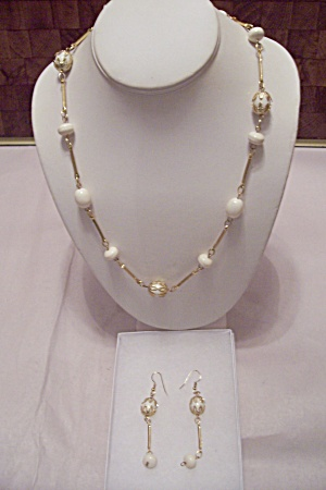 Gold Tone Link & White Bead Necklace & Earrings