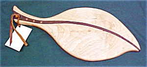 Cutting Board Leaf Shape Cherry Walnut Inlay Laminate (Image1)