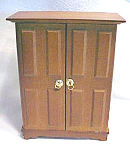 Doll House Wardrobe Armoire  Wood + Hat box (Image1)