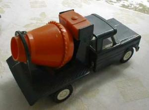 Structo 1960's Cement Mixer Truck (Image1)