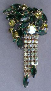 Incredible Large Emerald Green Rhinestone Brooch (Image1)