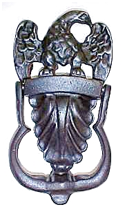 Wilton Eagle Door Knocker Cast Iron (Image1)