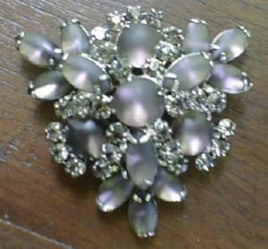 Large Rhinestone Brooch Pin Irridescent Unusual (Image1)