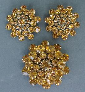 Lg Golden Rhinestone Brooch & Earrings Set