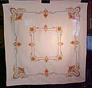 Table Topper Floral Embroidered Linen Fancy (Image1)
