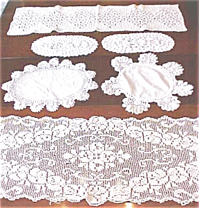 Vintage Doilies & Runners 6 PC Lace + More (Image1)