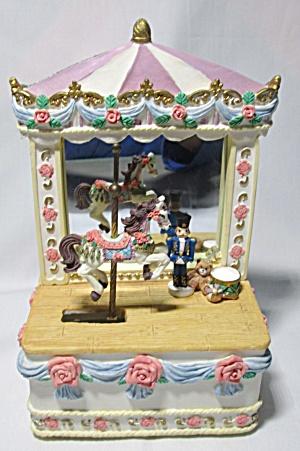 Music Box Big Top Circus w/Carousel Horse (Image1)