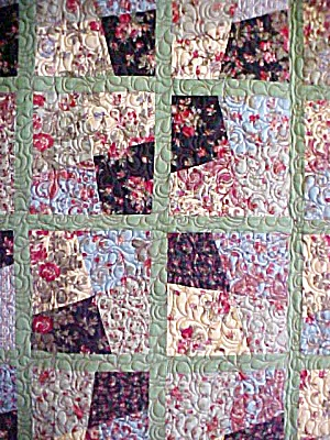 Quilt Throw 55 x 71 Sweet November Crazy Four Patch (Image1)