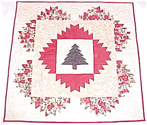 Quilt Wall Hanging Christmas Tree Holly Poinsettias (Image1)
