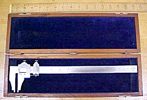 Brown & Sharpe No. 570 Vernier Calipers 12 inch w/Box (Image1)