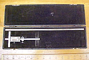 Brown & Sharpe Vernier Depth Gage No. 600 Gauge w/Case  (Image1)