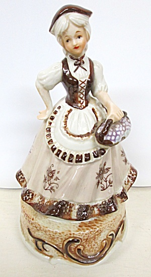 Porcelien Music Box Lady w/ Long Dress (Image1)