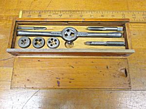 Vintage Tap & Die Set w/Wooden Box (Image1)