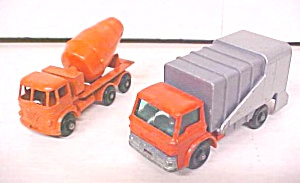 Matchbox No. 7 & 26 Refuse Truck & Cement Mixer (Image1)