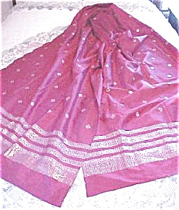 Vintage Sari Rose Silk Ornate Silver Designs (Image1)