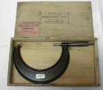 Click here to enlarge image and see more about item T3397: Lufkin Micrometer 4-5 inch w/ Original Wood Box