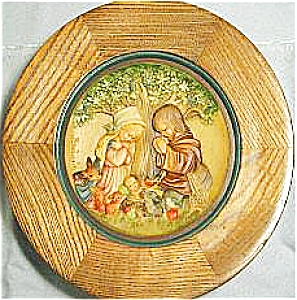 #1 '72 CHRIST IN THE MANGER CHRISTMAS PLATE ANRI JUAN FERRANDIZ WOOD Carved Italy Box (Image1)