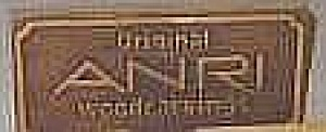 ORIGINAL ANRI WOODCARVINGS Easel Wooden SIGN PLAQUE 2 1/8 in x 4 5/8 in Italy Italian (Image1)