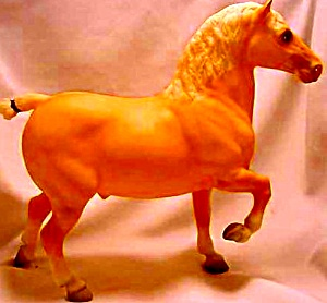 95 #906 GOLIATH CE AMERICAN CREAM DRAFT HORSE (Image1)