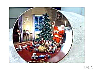 A Christmas Eve VisitorClassic American Santa (Image1)