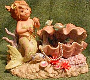 PEARL Coral Kingdom Mermaid with Oyster SHIMMER STONE Tropical #961418 VHTF LE / 5000 (Image1)