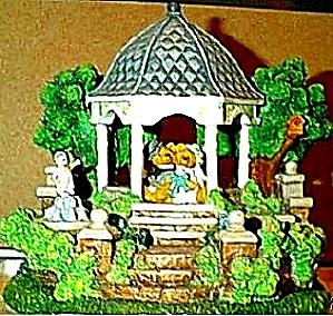 Cherished Teddies Village : The Wedding Gazebo Teddie P. Hillman Mail-Order Hamilton (Image1)