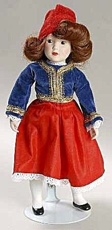 DANBURY MINT porcelain DOLLS OF THE WORLD ATHENA representing GREECE COLLECTION #22 (Image1)