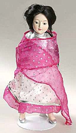 DANBURY MINT porcelain DOLLS OF THE WORLD SHANTI representing INDIA COLLECTION #12 (Image1)