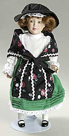 Danbury Mint Porcelain Dolls Of The World Gwynn Representing Wales Collection #19