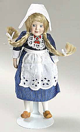 DANBURY MINT porcelain DOLLS OF THE WORLD ELSA representing HOLLAND COLLECTION #15 (Image1)