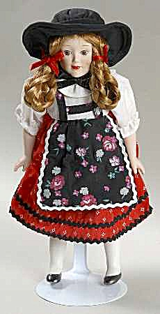 DANBURY MINT porcelain DOLLS OF THE WORLD GRETCHEN representing GERMANY COLLECTION #7 (Image1)
