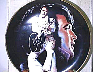Elvis Remembered - 1988 : THE KING (Image1)