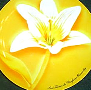 Day Lilly 8 1/2 plate Les Fleurs de Parfums Givenchy EXCLUSIVE Flower Yellow White 03 (Image1)