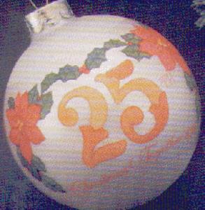 1980-QX206-1 TWENTY-FIFTH CHRISTMAS TOGETHER (Image1)