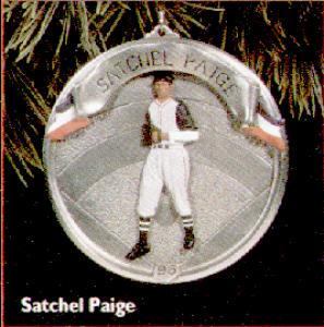 '96-QX530-4 Baseball Heroes: #3:SATCHEL PAIGE (Image1)