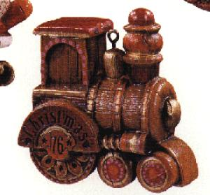 """1976 QX181-1 Yesteryears Collection: Train Wood look"""" designs QX1811 (Image1)"""