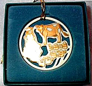 1994 LENOX TWELVE 12 DAYS  OF CHRISTMAS 8 MAIDS A MILKING Round Ivory Gold (Image1)
