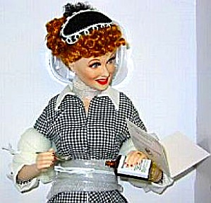 Franklin Mint I Love Lucy Does TV Commercial Vitameatavegamin Porcelain Portrait Doll (Image1)