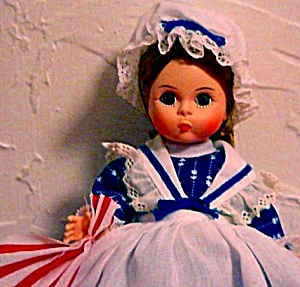 #431 Miniature Showcase Storyland Betsy Ross W/booklet Stand Original Box