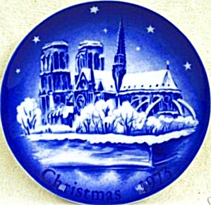 MONTGOMERY  WARD 1973 NOTRE DAME DE PARIS Annual Limited Edition W. Germany 7 1/2 inc (Image1)