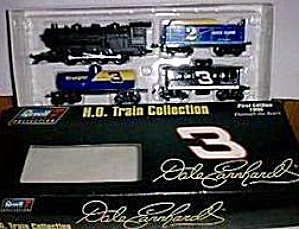 Dale Revell Collection 4 Pc. TRAIN SET EARNHARDT '96 WRANGLER THRU YEARS 1st EDITION (Image1)