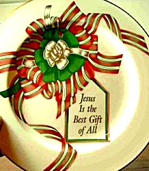 Jesus is the Best Gift of All Pfaltzgraff China USA Christmas 10 ½ inch Plate (Image1)