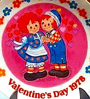 RAGGEDY ANN & ANDY VALENTINES DAY PLATE 1978 (Image1)
